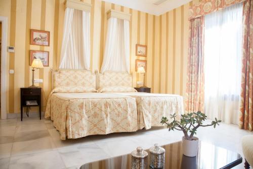 Habitación Doble Superior - 1 o 2 camas (1 adulto) Villa Jerez 1