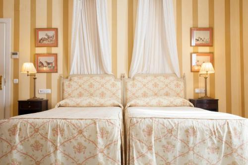 Double or Twin Room Villa Jerez 3
