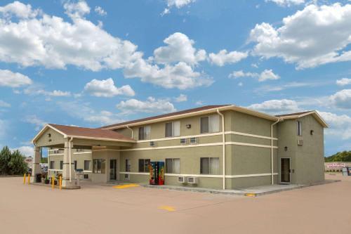 Days Inn by Wyndham North Platte
