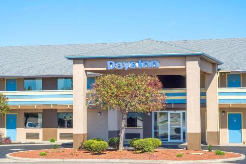 Days Inn by Wyndham Dayton Huber Heights Northeast