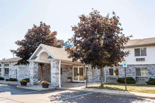 Days Inn by Wyndham Imlay City