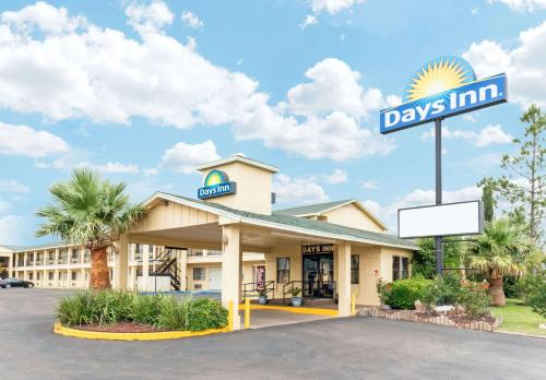Days Inn by Wyndham Snyder