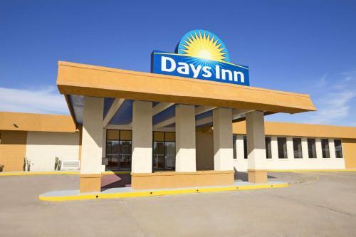 Days Inn by Wyndham Henryetta