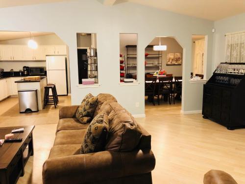 Live Oak Vineyard Guest House