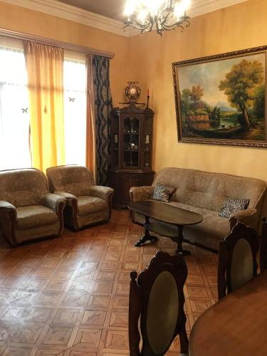 Charents apartments 2 and Tours, Yerevan
