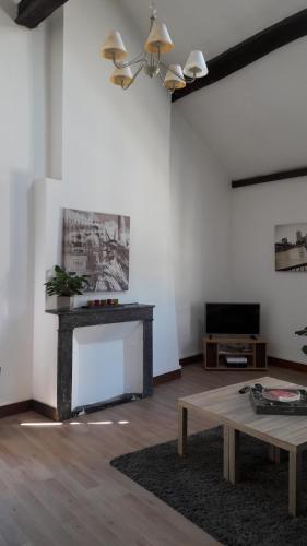 f2 centre ville s jour cath drale orl ans. Black Bedroom Furniture Sets. Home Design Ideas