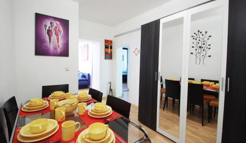 Ferienapartments Randhartingergasse 12 - Budget Apartment mit 3 Schlafzimmern