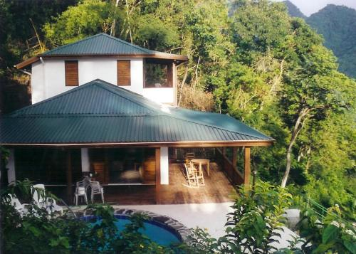 Rainbow Heights Villa, Soufrière