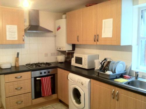 Tulip Serviced Apartments - 310A High Road,London