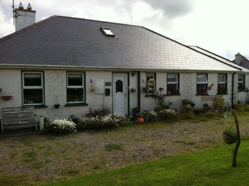 Photo of Lakeview House B&B Hotel Bed and Breakfast Accommodation in Baylet Donegal