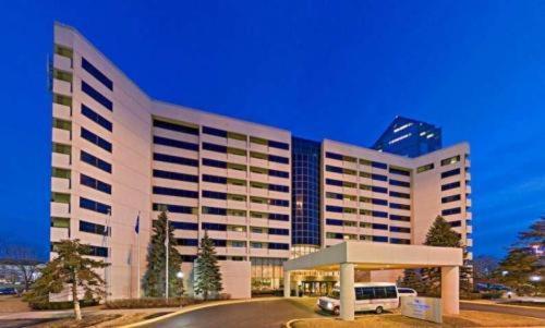 Hilton Suites Chicago Oak Brook