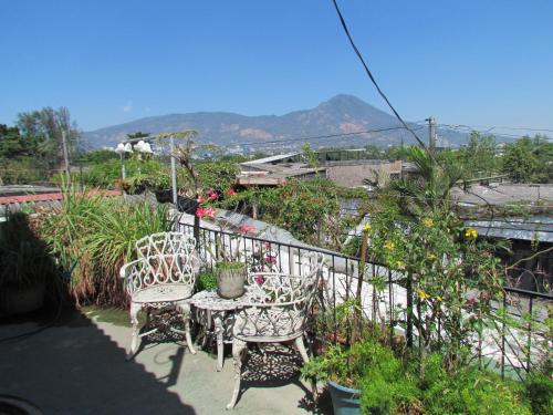 Homelike Fully furnished 2 bed apartment & Terrace, San Salvador