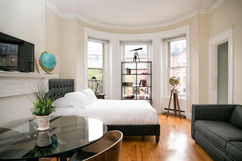 More about Apartments on Newbury Street