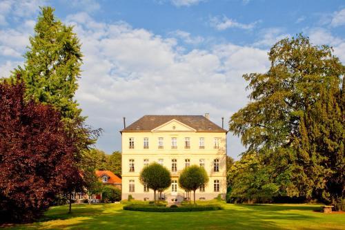 Отель Hotel & Spa Schloss Leyenburg 4 звезды Германия