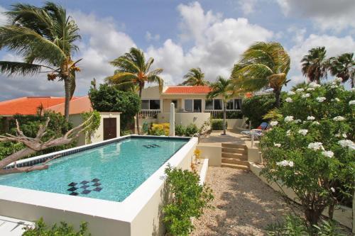 Caribbean Escape, Hato