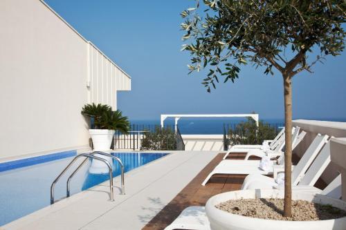 5 starts hotel in Bari