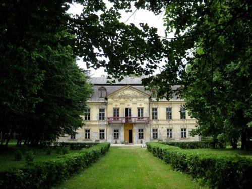 Pałac w Nakle