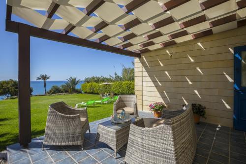 Maroni Beachfront Villa, Maroni
