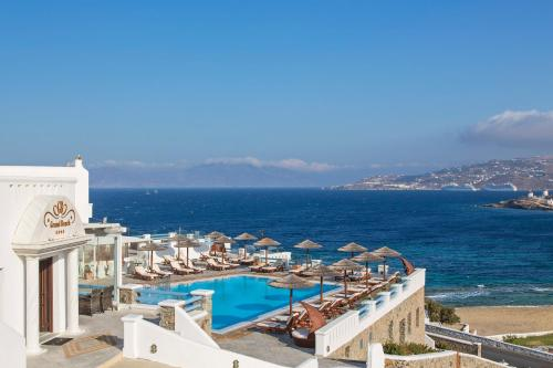 Grand Beach****  in Mykonos stad