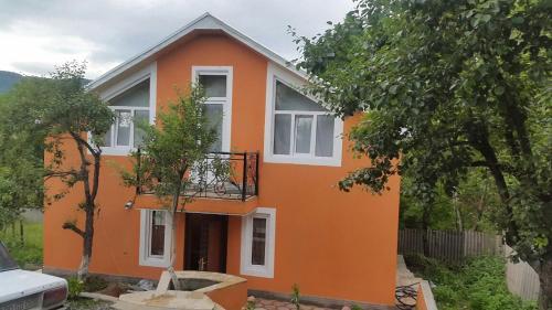 Guba Qechresh Villa, Qǝçrǝş