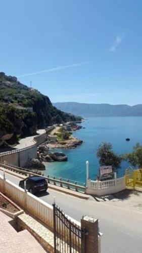 Springwater Bay, Vlorë