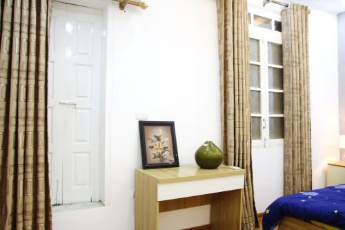 OLD QUARTER 1 Bedroom Very Cheap Cozy Apartment, Hanoi