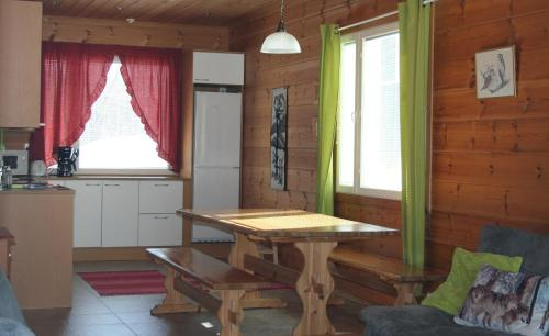Three-Bedroom Cottage with Sauna