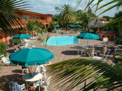 Zinn Inn FL, 33020