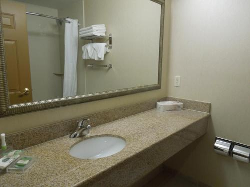 Country Inn & Suites By Carlson New York City In Queens NY
