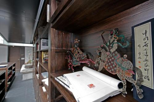 Shichahai Shadow Art Performance Hotel - 40 of 45