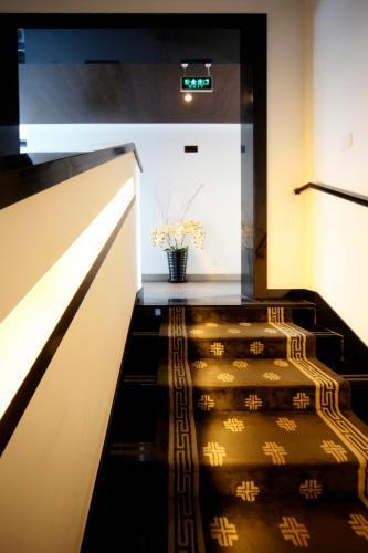 Shichahai Shadow Art Performance Hotel - 24 of 45