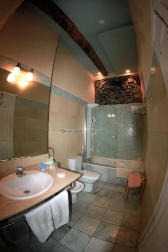 Double or Twin Room Mar Del Sueve 3