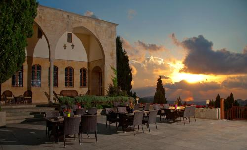 Mir Amin Palace