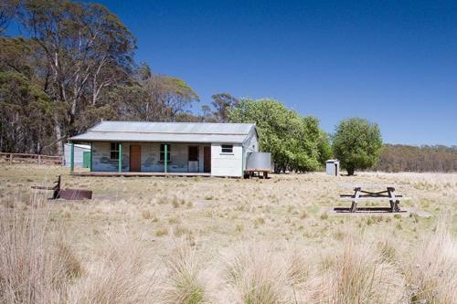 Brackens Cottage