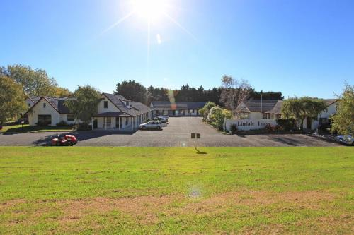 Kapiti Lindale Motel And Conference Centre