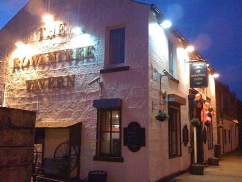 Rowantree Tavern, The,Balloch