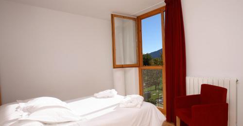 Small Double or Twin Room Tierra de Biescas 10