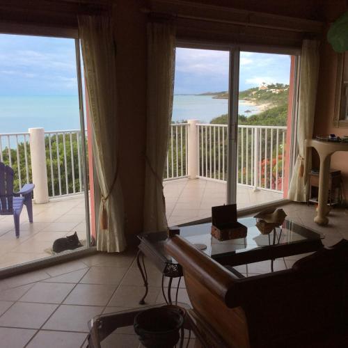 Villa Tropidero, Turtle Cove