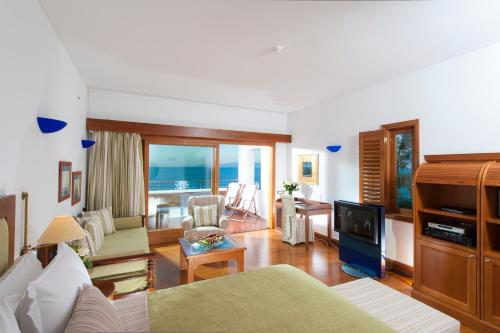 Deluxe Family Room SPA Sea View