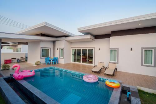 Drei Schlafzimmer Villa mit privatem Pool (Three-Bedroom Villa with Private Pool)