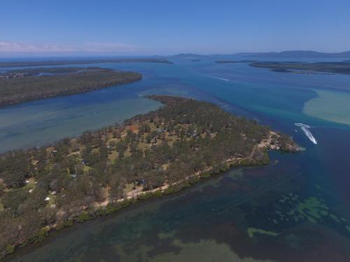 Lani's Holiday Island