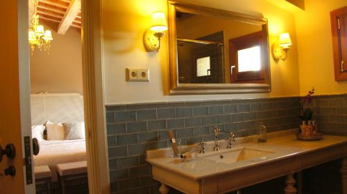 Special Offer - Double or Twin Room La Mozaira 4