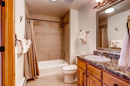 Shower Canyon Creek by Wyndham Vacation Rentals