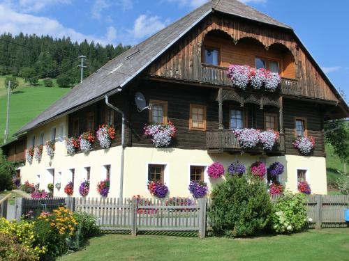 Kniebergerhof - Comfort Apartment mit 2 Schlafzimmern und Balkon