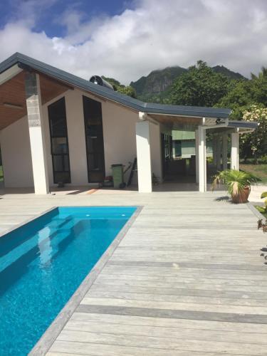 Ruatonga Villa, Avatiu