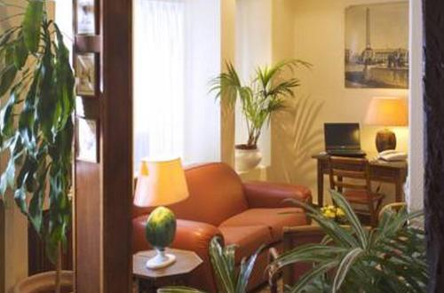 h tel saint roch paris france overview. Black Bedroom Furniture Sets. Home Design Ideas