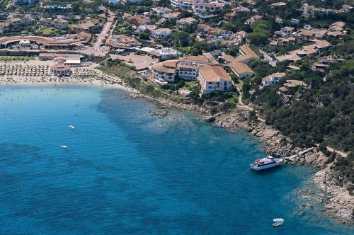 foto Club Hotel Baja Sardinia (Capo Ferro (Costa Smeralda))