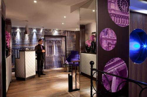 Hotel design secret de paris h tel 2 rue de parme 75009 for Secret de paris hotel