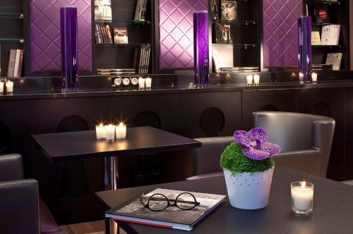 Hotel design secret de paris paris for Secret boutique hotels