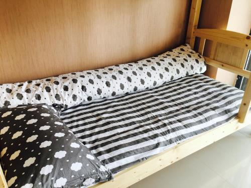 中宾 - 8床混合宿舍间的1个床位 (Mainland Chinese Citizen - Bed in 8-Bed Mixed Dormitory Room)